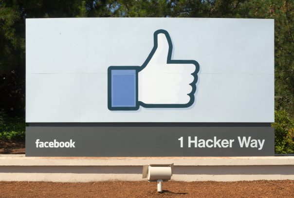 Facebook_Headquarters_Entrance_Sign_Menlo_Park-e1493846796266.jpg